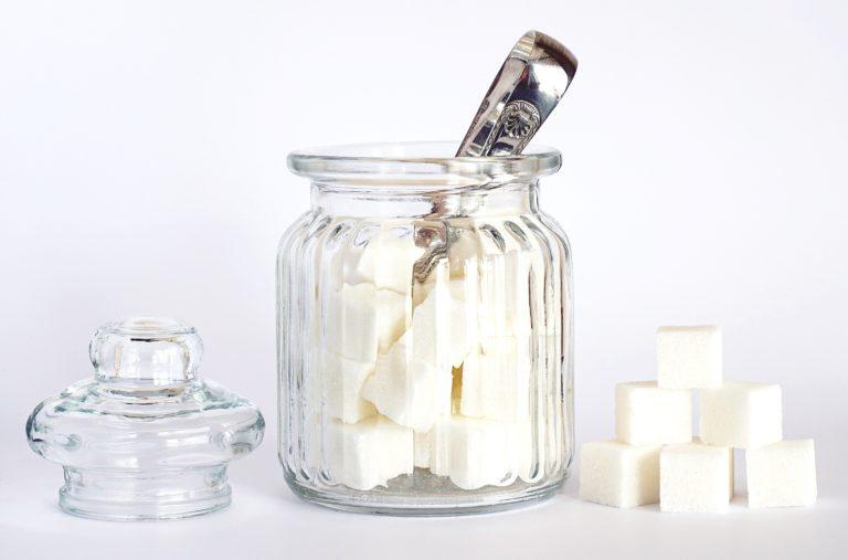 ヴィーガンは白砂糖を避ける?理由とおすすめの砂糖も紹介
