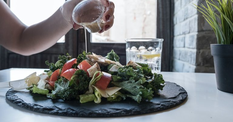 【ヴィーガン】野菜が100倍美味しくなる!植物性のドレッシング7選