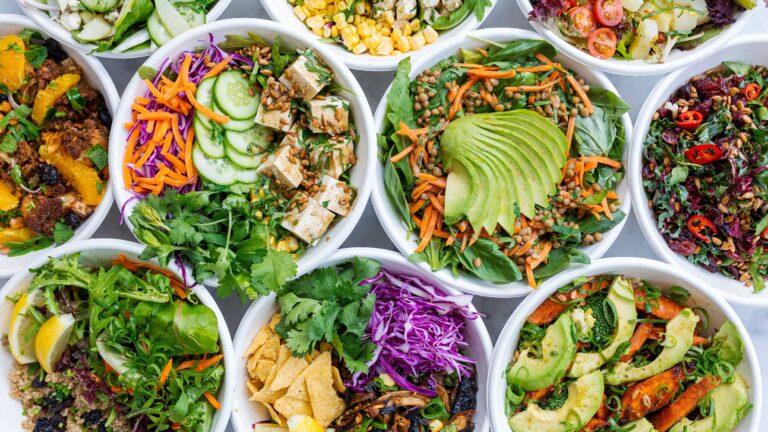 サラダをタンパク質たっぷりに!トッピングしたい食材7選|簡単なレシピもご紹介