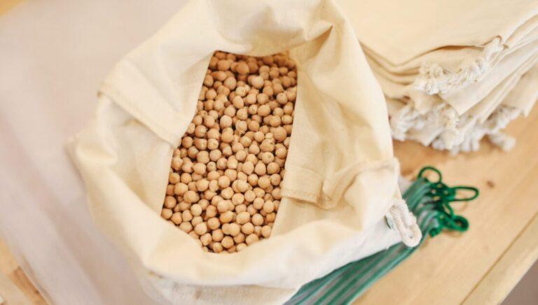 何が違う?大豆ミート大手3社の人気商品・違いを徹底比較