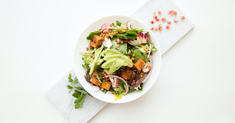 ヴィーガン食生活で積極的に摂りたい7つの栄養素とは?おすすめ食材や1日の必要量もご紹介